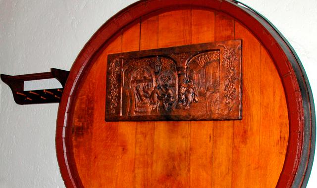 Weinstube mit Fassrahmen